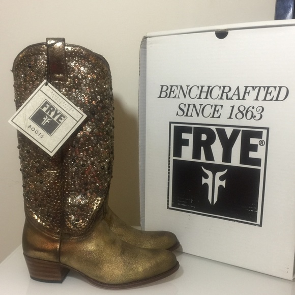 1e0e720140cb NWT  THE DEBORAH STUDDED TALL BOOT by FRYE